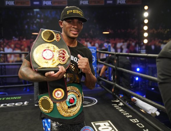 Erislandy Lara retained his WBA crown against Vendetti
