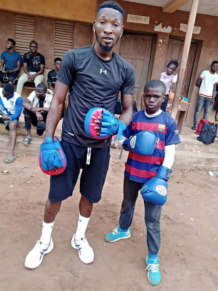 Coach Tipo: The man who uses boxing to help Nigerian children