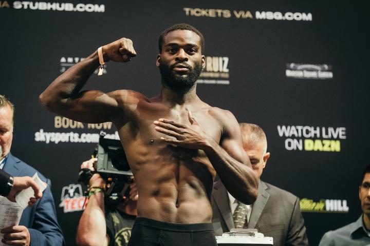 Buatsi vs. Dos Santos for the WBA-International belt