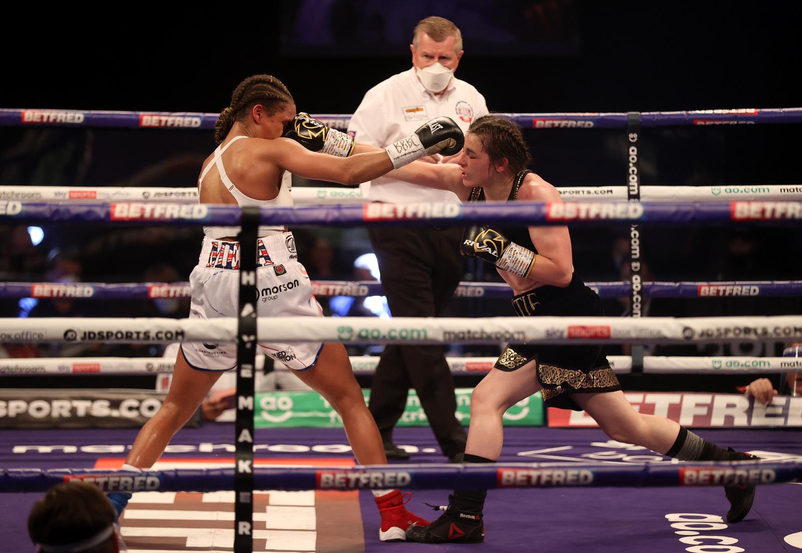 Taylor defeated Jonas and retained her WBA 135-pound crown