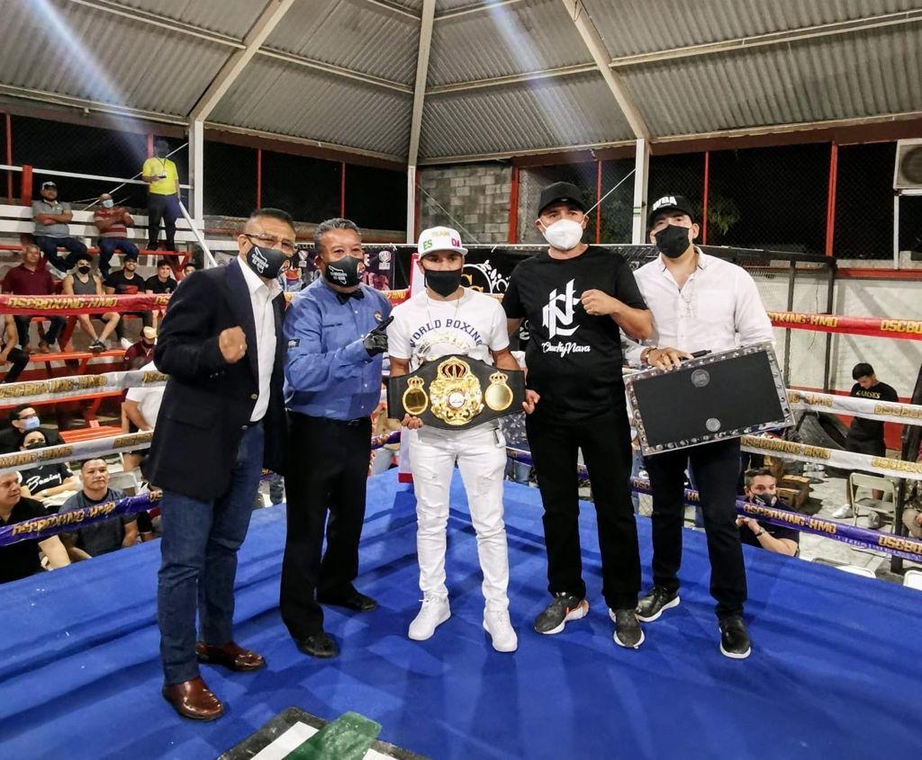 """""""El Gallo"""" Estrada received his Super Championship belt in Hermosillo"""