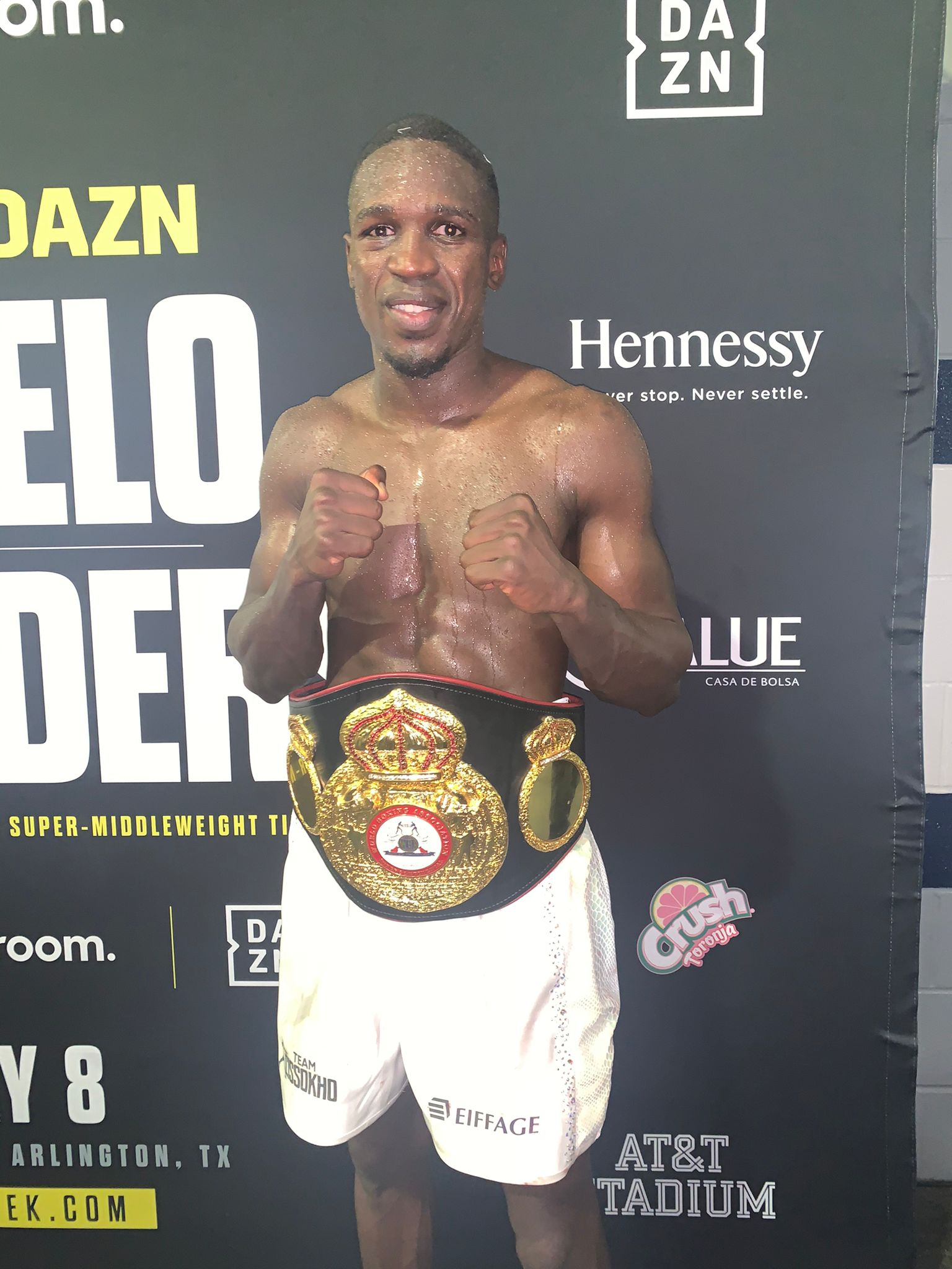 Cissokho won the WBA Intercontinental 154-pound title in a close fight with Conway