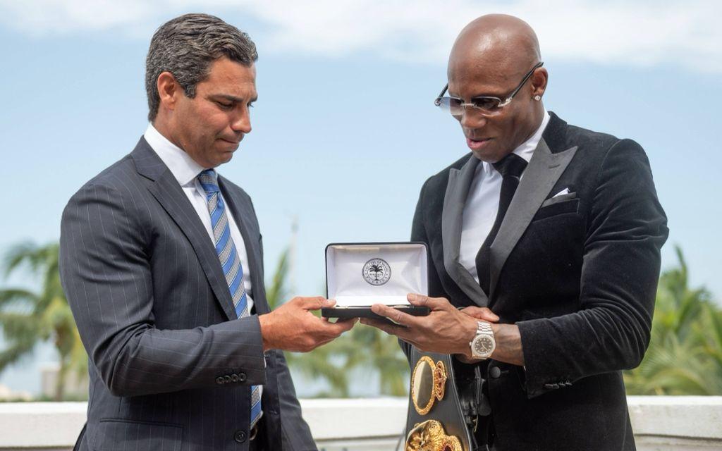 Ugás recibió las llaves de la ciudad de Miami