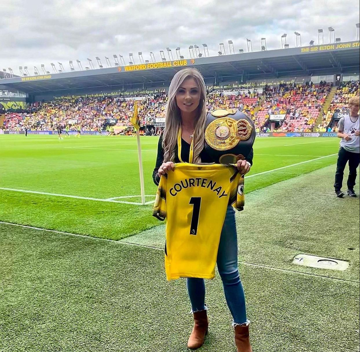 Shannon Courtenay was the guest of honor at the fourth date of the Premier League